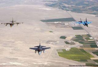 Militärflugzeuge von Aserbaidschan und der Türkei führten im Rahmen gemeinsamer Trainings Kampfeinsätze durch (Foto/Video)