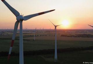 Vertreter deutscher Unternehmen im Bereich alternative Energien besuchen Aserbaidschan